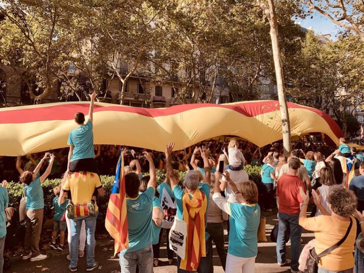 Mosolyforradalom, kirakatperek, politikai foglyok Katalóniában (3.)