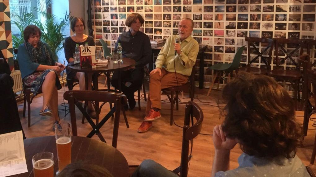 Kortárs kritika és amatőr olvasó(v)él(e)mény a vadonatúj Kolozsvári Szépírókörben