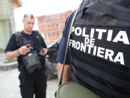Illegális bevándorlás - Faládákba bújtatott határsértőket tartóztattak fel Nagylaknál