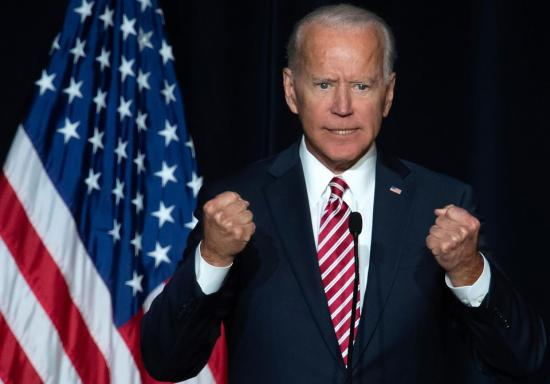 Joe Biden elnökjelölt-aspiráns a demokraták legesélyesebb befutójának tartja magát