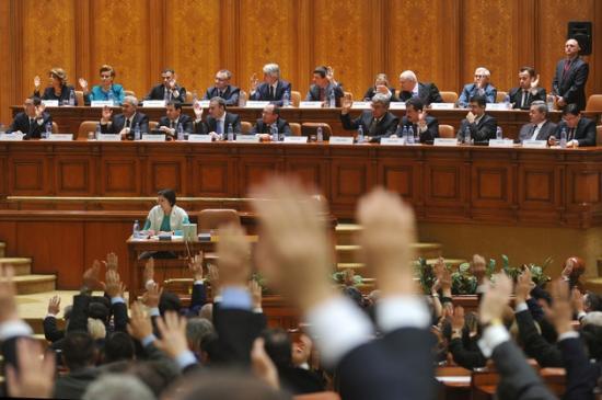 Az anyanyelvhasználati jogokat helyreállító tervezetet terjesztett be az RMDSZ