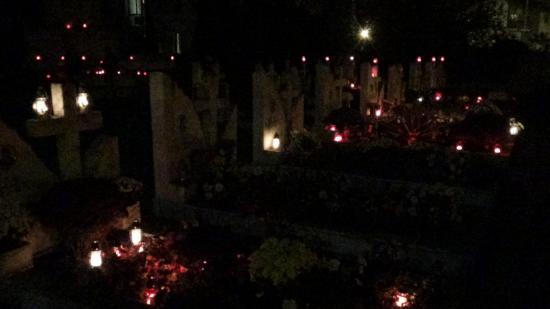 VIDEÓ - A decemberi hősök sírjainál jártunk