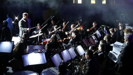 VIDEÓ - Komolyzenei koncert a Házsongárdi temetőben