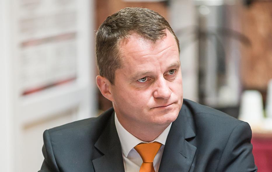 Mezei tagadja, hogy engedett volna a PSD-nek