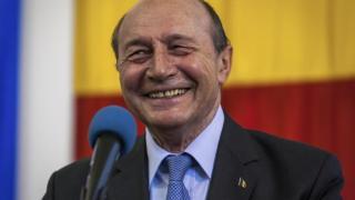 Băsescu pártja is Iohannist támogatja a második fordulóban