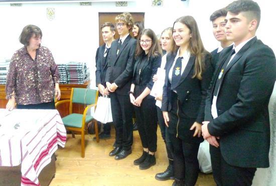 Temetőgondozó diákok munkáját értékelték