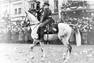 Horthy Miklós 100 éve vonult be Budapestre