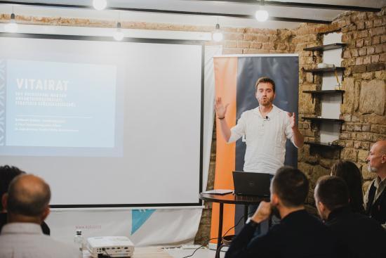 Kolozsvári magyar anyanyelvhasználati stratégiát javasolnak