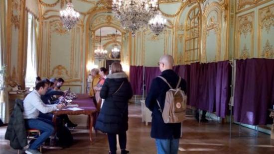 Elnökválasztás - Több mint 96 ezren szavaztak külföldön ma reggel 7 óráig