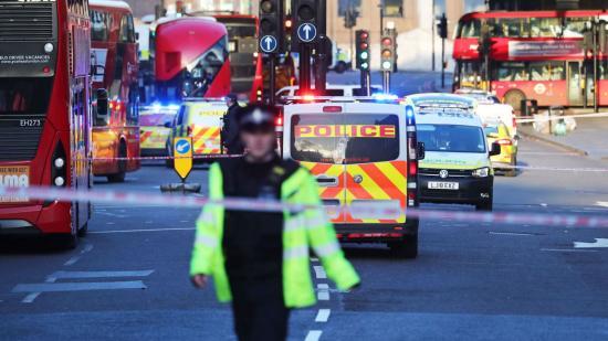 Terrorcselekménynek számító késelés Londonban