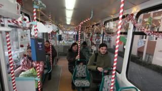 Bánffyhunyadig Mikulás-vonat, Kolozsváron Mikulás-villamos közlekedik