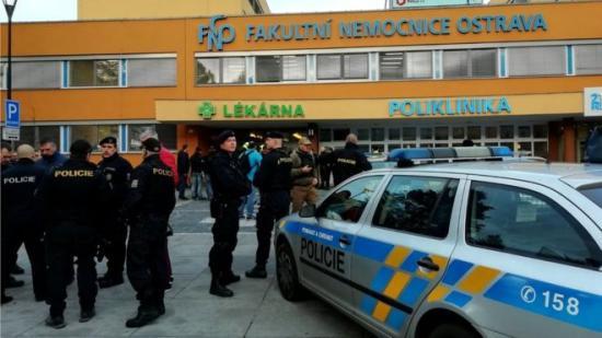 Több személyt megöltek egy cseh kórházban