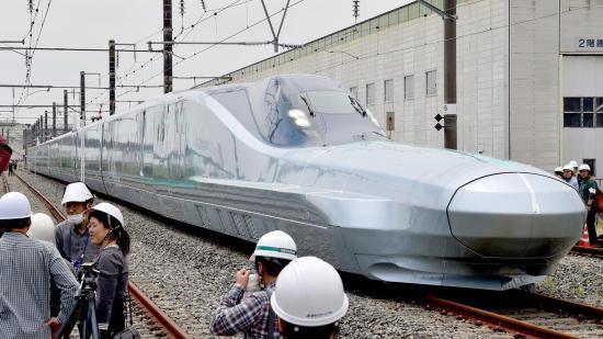 Nagy sebességű vonatok jelenthetik a közlekedés jövőjét