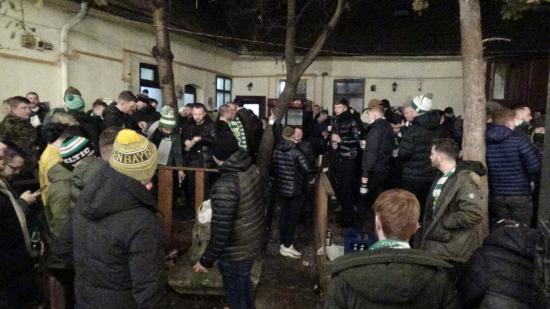 VIDEÓ - Tombolnak a Celtic szurkolói