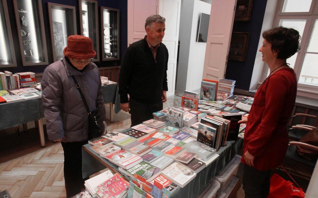 Megnyílt az Adventi Könyvvásár