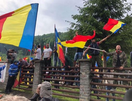 Úzvölgyi katonatemető: összevonta a törvényszék Csíkszentmárton és a bákói prefektus azonos tárgyú perét