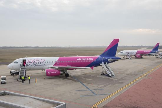 Debreceni repülőtér: nem volt tűz a Párizsba induló repülőgépen