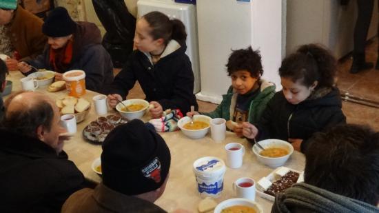 VIDEÓ - Gondviselés Segélyszervezet: újraindult a rászorulók étkeztetése