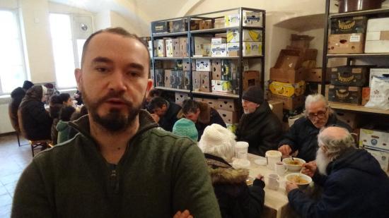 VIDEÓINTERJÚ - Vagyas Attila: keddenként 80-100 adag ebédet készítünk a rászorulóknak
