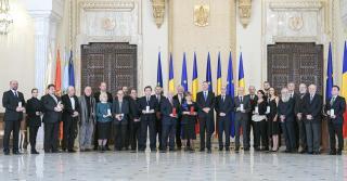 Román kultúra napja – Erdélyi magyarokat is díjazott Klaus Iohannis
