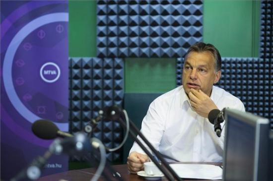 Orbán Viktor: egy centiméterre voltunk, hogy kilépjünk az Európai Néppártból