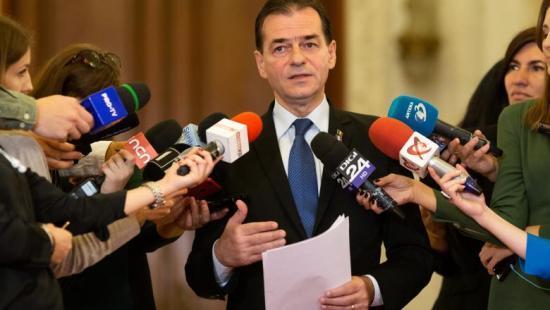 Kormányfő: a bizalmatlansági indítvány csak a Pro Románia segítségével szavazható meg