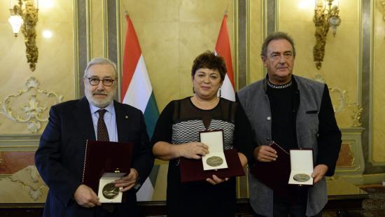 Bolognai professzor, felvidéki magyartanár és magyar költő kapott Pro Cultura-díjat Budapesten
