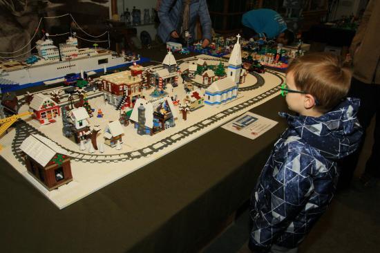 Legokiállítás nyílt Kolozsváron a Redutban