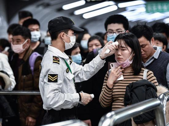 Egyre gyorsabb ütemben terjed az új koronavírus Kínában