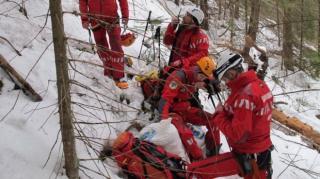 Egy nap alatt közel 130 esethez riasztották a hegyimentőket