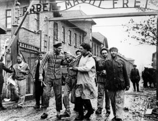 Ludovic Orban ellátogat Auschwitzba az ...