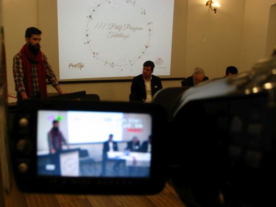 Petőfi-ösztöndíjasok találkozója a szamosújvári Tékánál