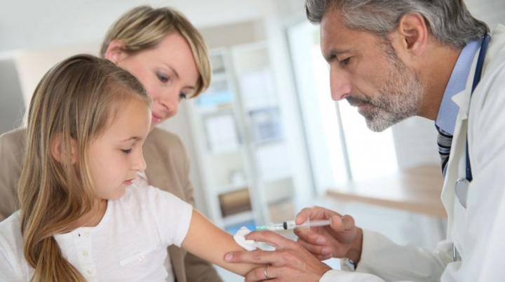 Hároméves késéssel zajlik a HPV elleni hazai oltáskampány