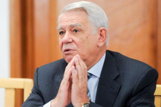 Lemondott Teodor Meleşcanu a szenátus elnöki tisztségéről