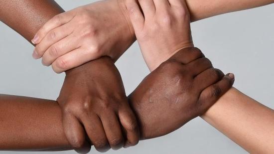"""A """"rasszizmus"""" buktatói"""
