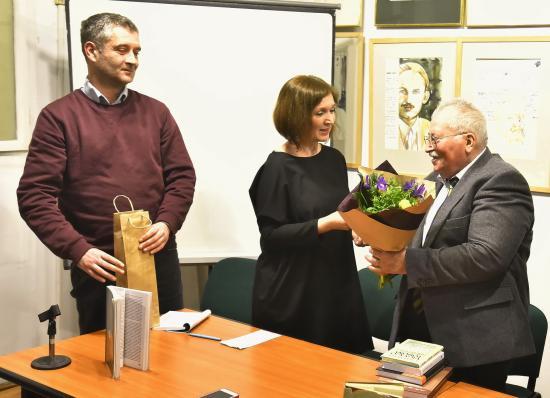 Könyvbemutatókkal köszöntötték Cseke Pétert