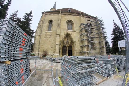 Szent Mihály-templom: újra látható a főhomlokzat