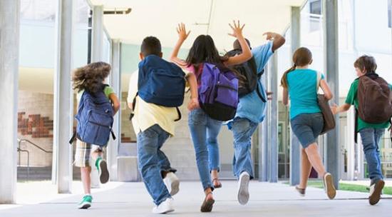 """Elhalasztotta a képviselőház a szülők """"kényszerszabadságára"""" vonatkozó törvénytervezet elfogadását (FRISSÍTVE)"""
