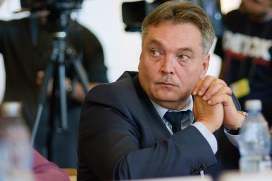 Koronavírus - László Attila szenátor nem került fertőzött kollégája közelébe