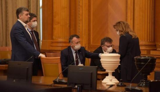 Bizalmat szavazott a parlament Ludovic Orban kormányának (FRISSÍTVE)