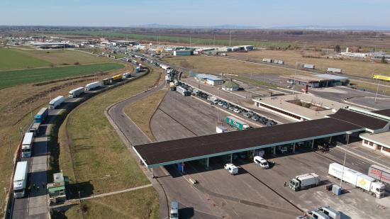 Románia humanitárius folyosó megnyitását kérte Magyarországtól hazatérő állampolgárai számára