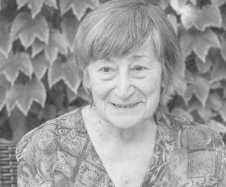 Elhunyt Sigmond Júlia bábszínész