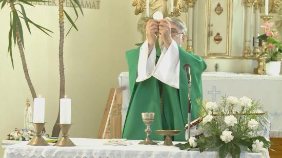Pontosítás liturgikus szertartások kapcsán