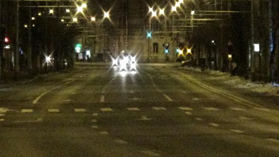 VIDEÓ – Ellenőrzés nélkül zajlik az éjjeli közlekedés a belvárosban