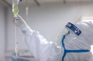 Koronavírus – Romániában a halálos áldozatok száma 24