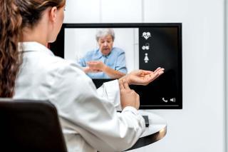 Telefonos előjegyzés alapján fogadnak a háziorvosok