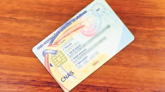 A szükségállapot ideje alatt nem kötelező az egészségügyi kártyák használata
