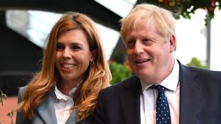 A brit miniszterelnök várandós ...