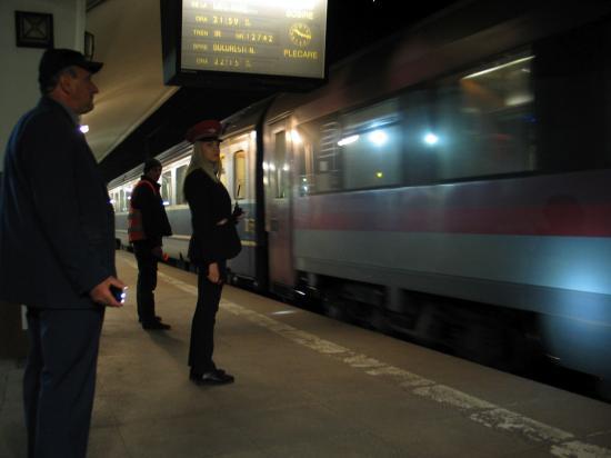 Éjjel a kolozsvári vasútállomáson