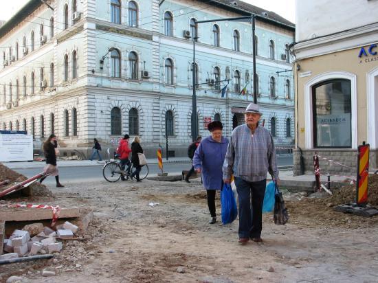 Tătaru: 10-14 héttel meghosszabbíthatjuk az idősek kijárási korlátozását